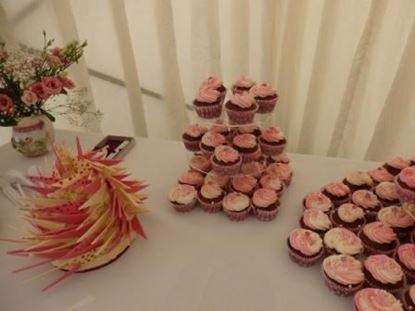 Picture of Pretty Pink Shard Wedding Cake