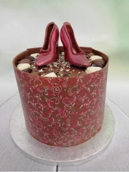 Shoe Collar Cake
